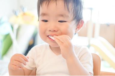 歯にいい食べ方とおやつの選び方